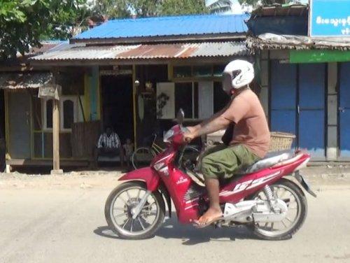 ミャンマー原付バイク